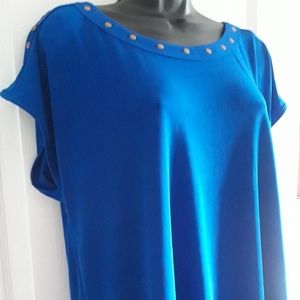 NWOT Cable & Gauge Ladies Blue XL Studded Top